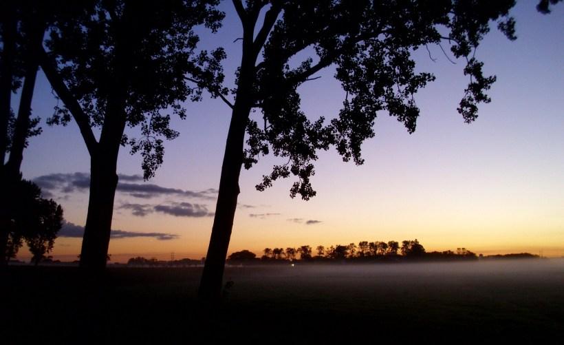 Morning_haze_before_sunrise